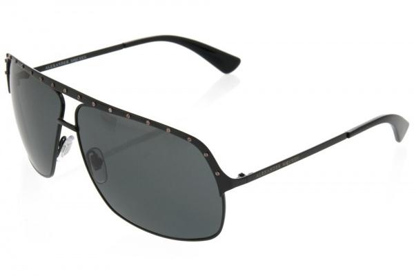 Alexander McQueen Stud Detail Sunglasses01 Alexander McQueen Stud Detail Sunglasses